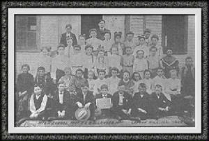 carbonhillhsstudents1904dav.jpg