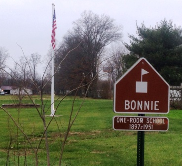 bonnieschoolgrounds2015dav.jpg